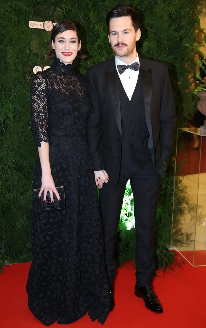 Lizzy Caplan and Tom Riley make their debut as a couple at the Prague Opera Ball