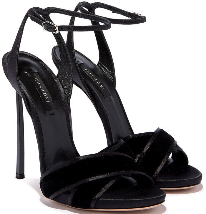 These Velvetop sandals are perfect for those who want to put together a more sophisticated outfit