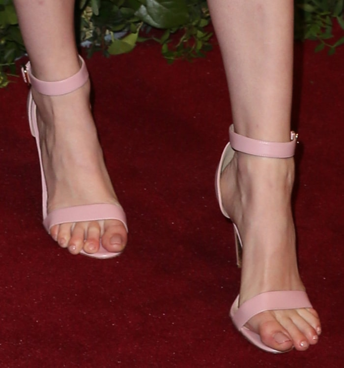 Ellie Bamber suffers major toe overhang in Rupert Sanderson sandals