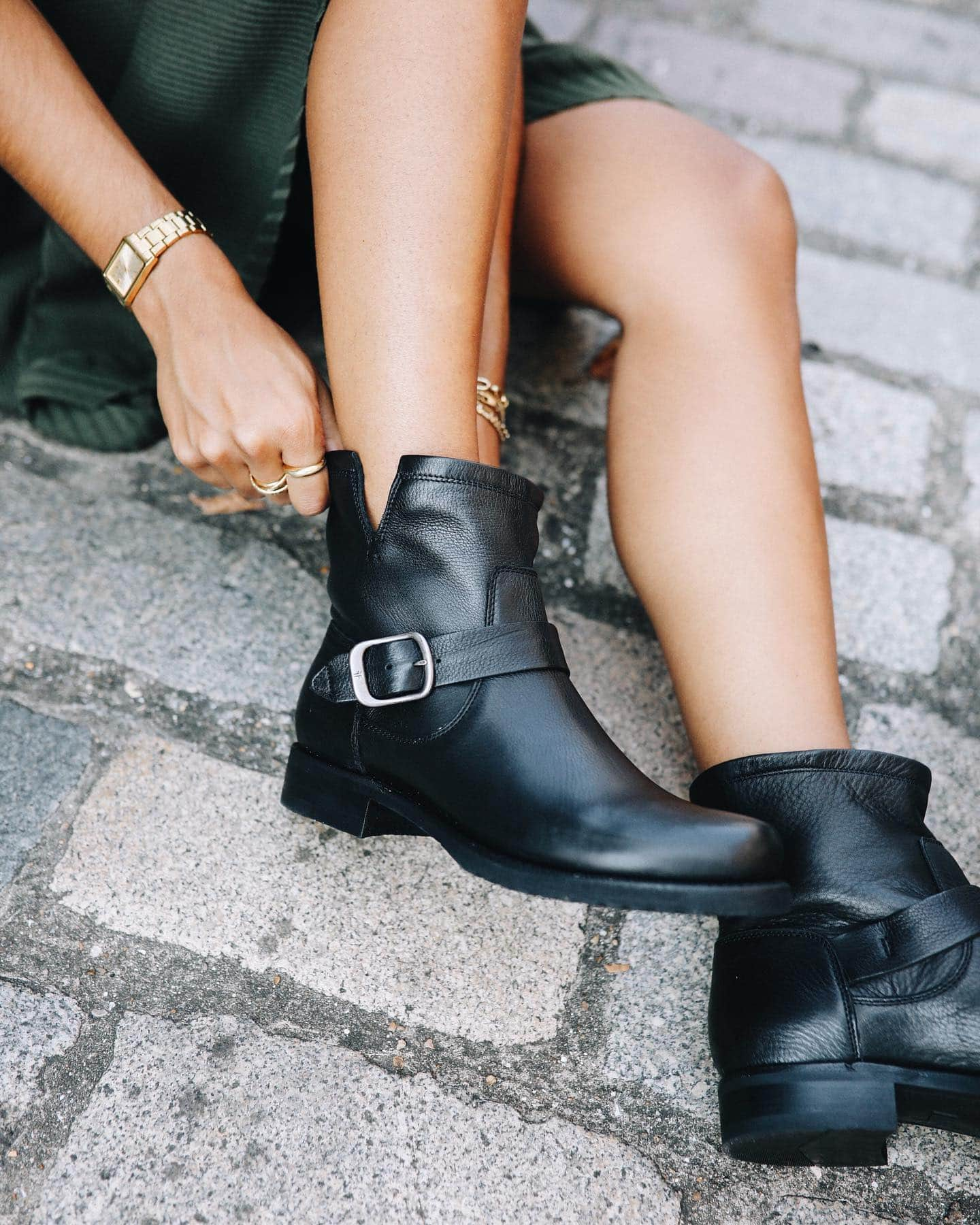 Style, comfort, and quality are just a few of the things you'll love most about Frye's classic Veronica boots