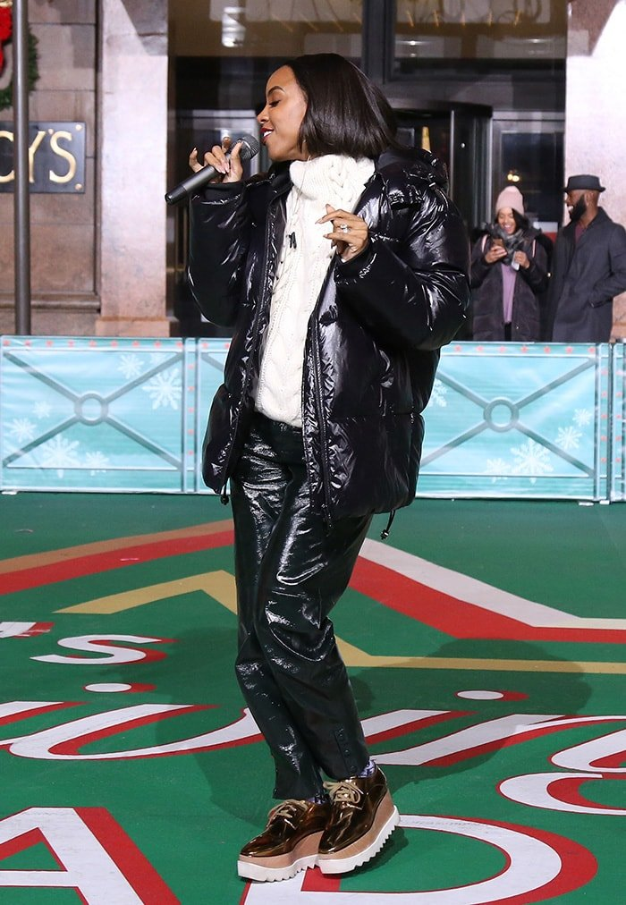 Kelly Rowland rehearsing for the93rd Annual Macy's Thanksgiving Day Parade