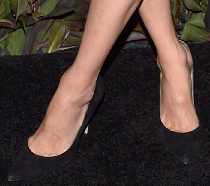 Nicky Hilton keeps things simple with classic black pumps