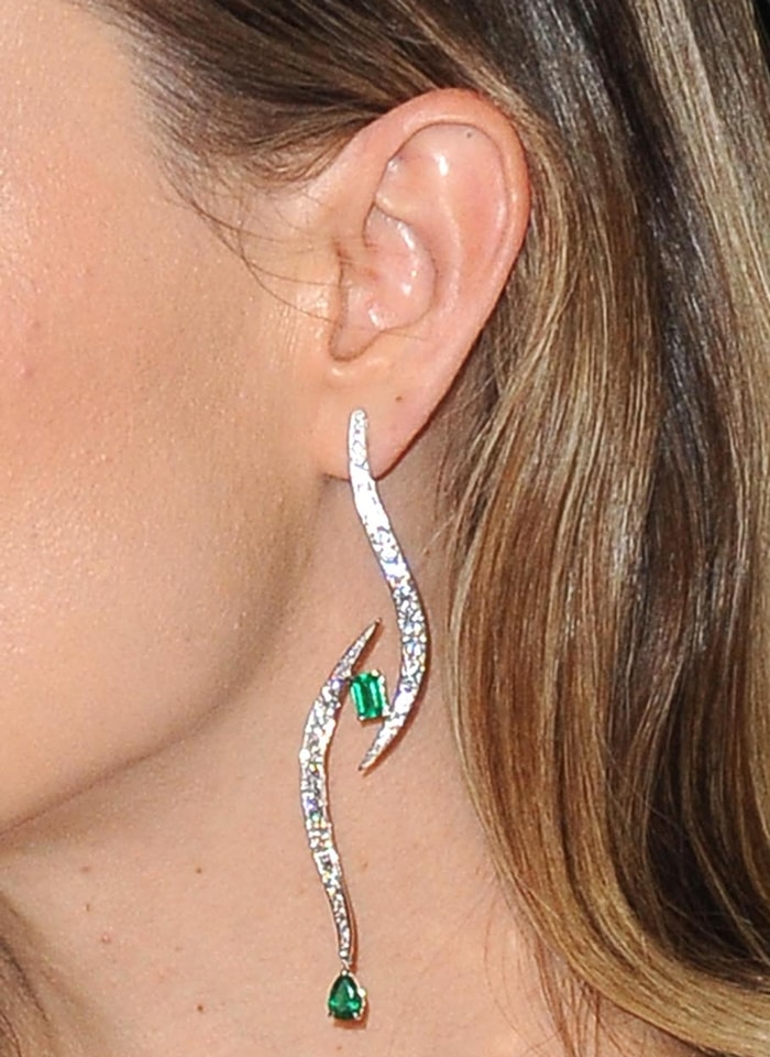 "Olivia Wilde's Nigora Tabayer ""All eyes on you"" earrings"