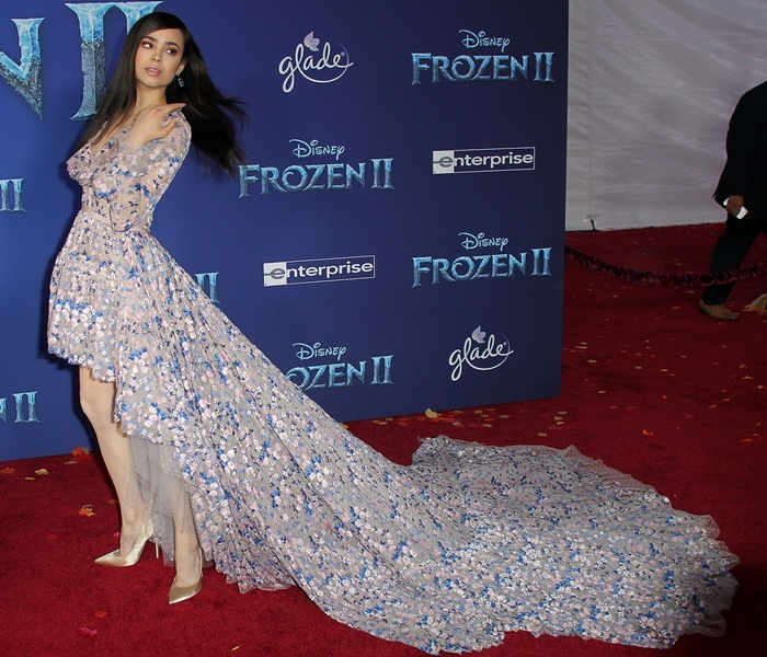 Sofia Carson showed off the spectacular train of her stunning Giambattista Valli dress