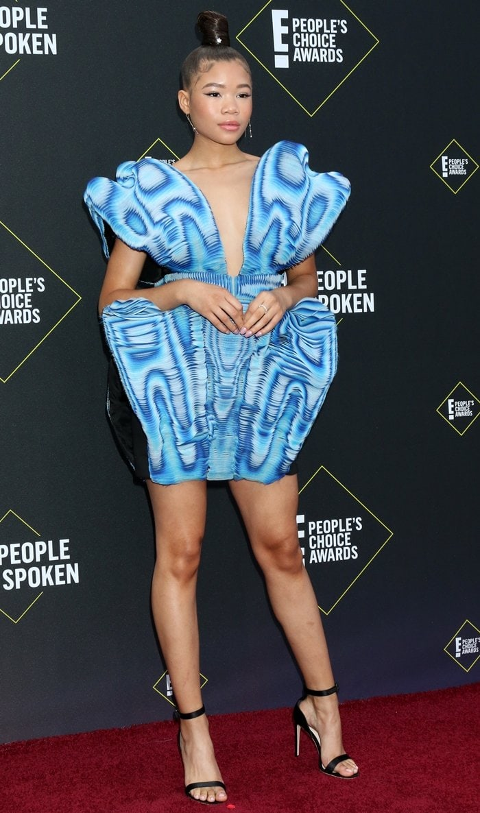 Storm Reid flaunted her legs at the 2019 E! People's Choice Awards