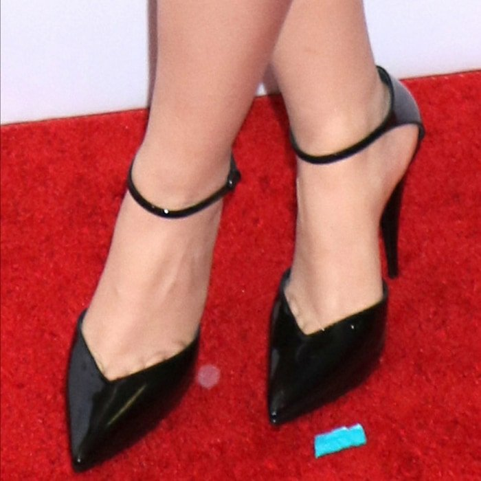 Camila Cabello showed off her feet in contemporary platform pumps featuring a notched pointy toe and tapered stiletto heel