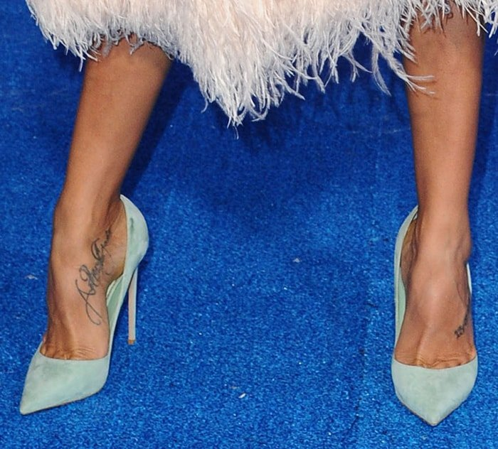 Dania Ramirez shows off her foot tattoos in Le Silla mint green suede pumps