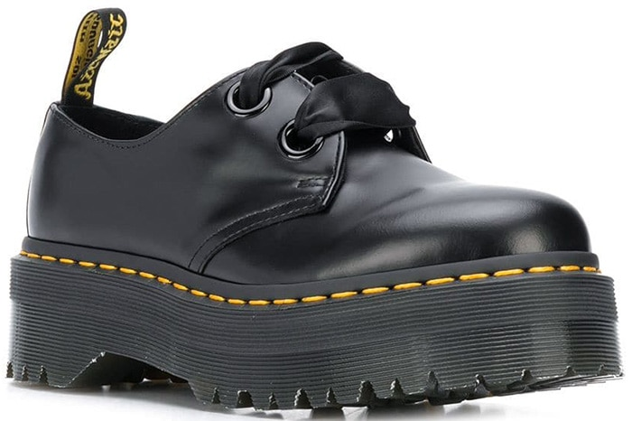 Crank your style up to the max with the stacked look of the Dr. Martens Holly Quad Retro platform shoes