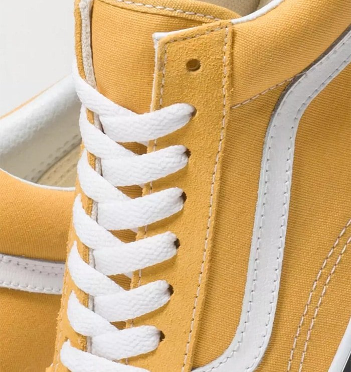 Vans Old Skool has raw eyelets