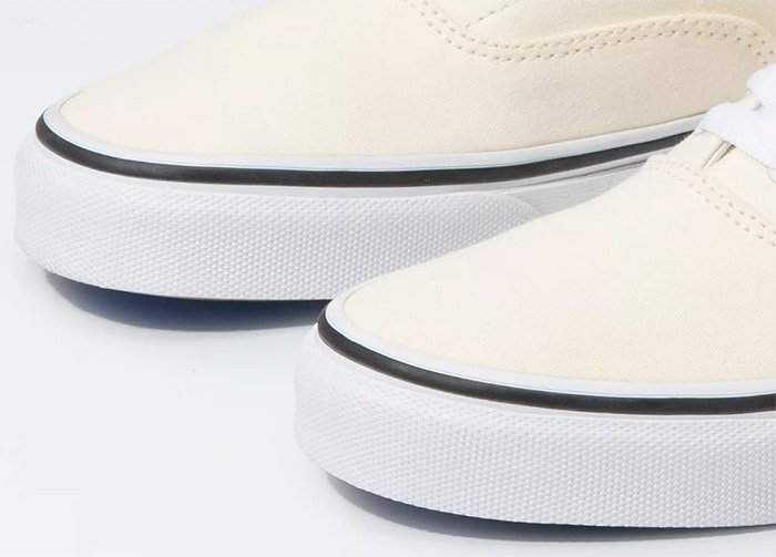 Vans shoes toes should slightly face upward