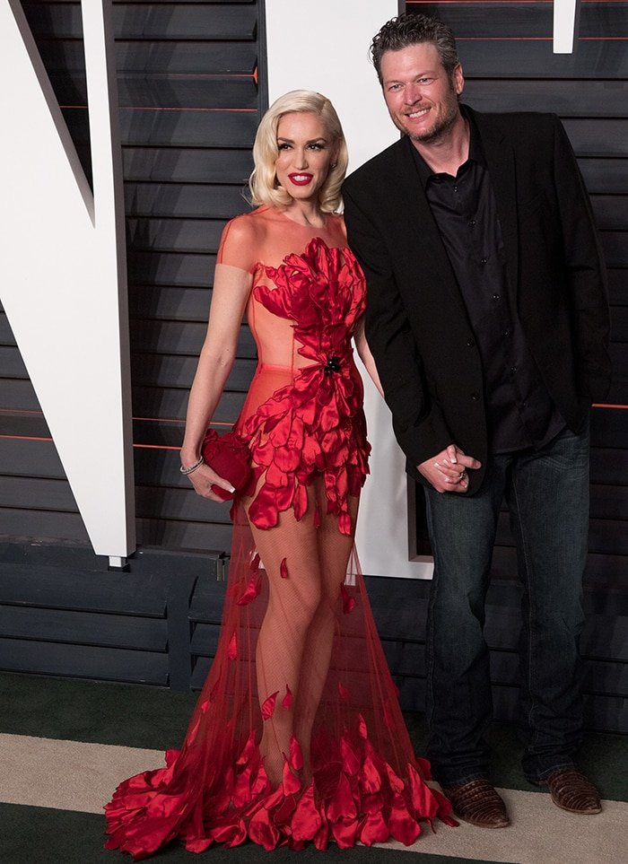 Gwen Stefani and Blake Shelton are red carpet official at the Vanity Fair Oscar Party on February 28, 2016