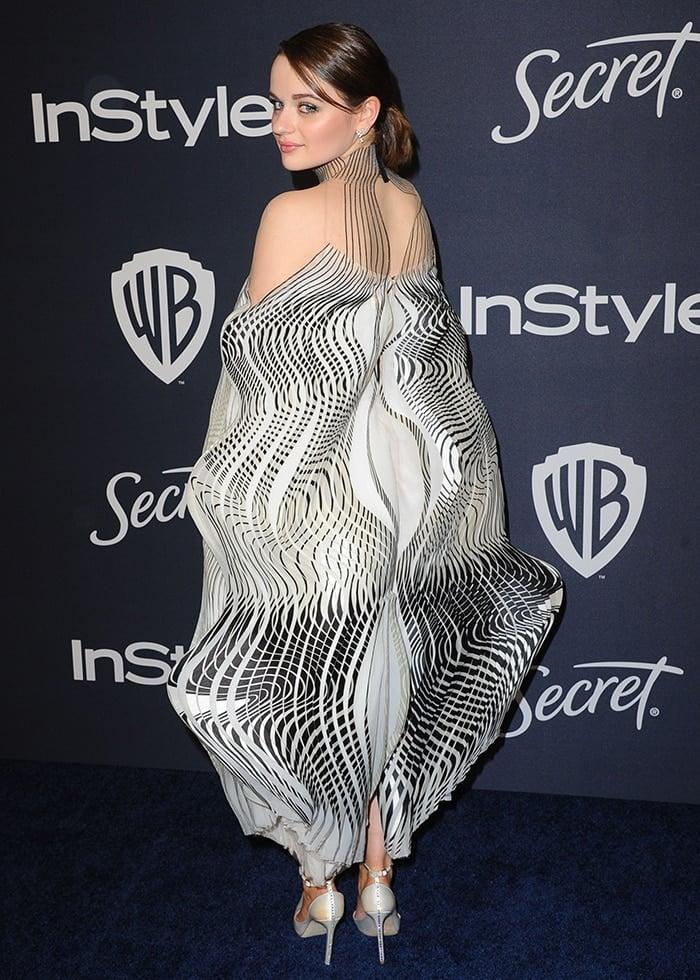 Joey King shows off the back detail of her Iris van Herpen dress