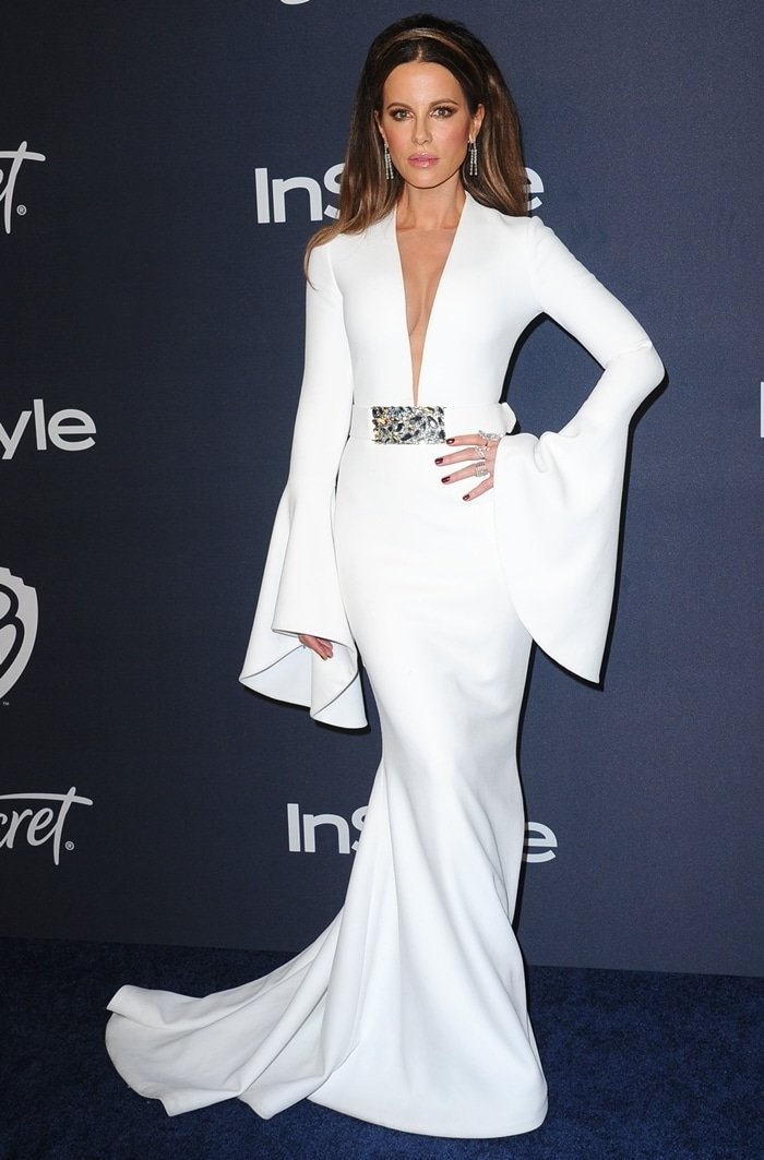 Kate Beckinsale wearing a Romona Keveža gown, Casadei shoes, and Neil Lane jewelry at the Netflix 2020 Golden Globes After Party