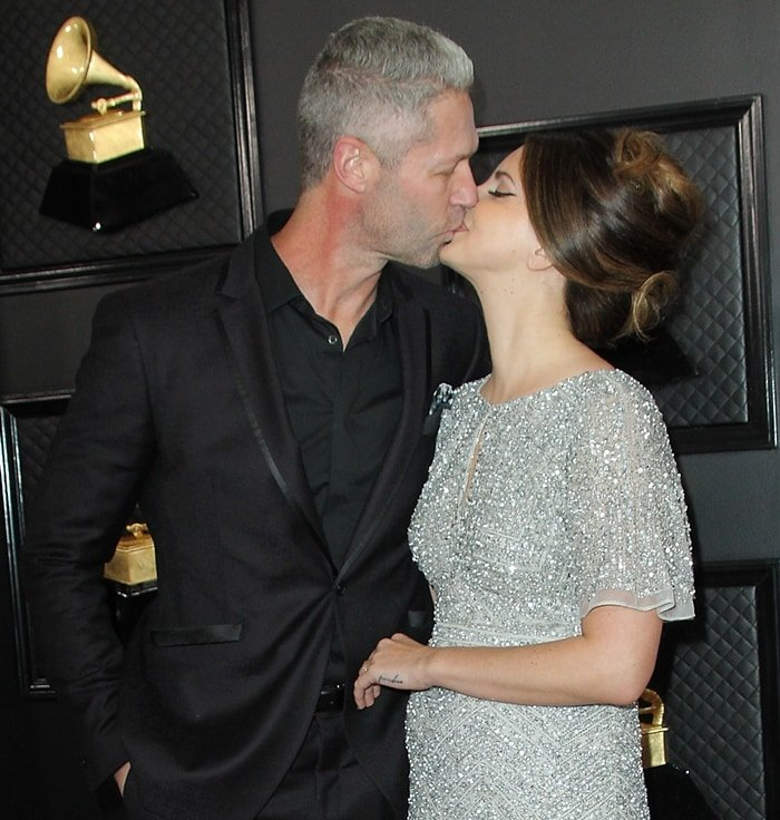"Sean ""Sticks"" Larkin kisses his girlfriend Lana Del Rey"