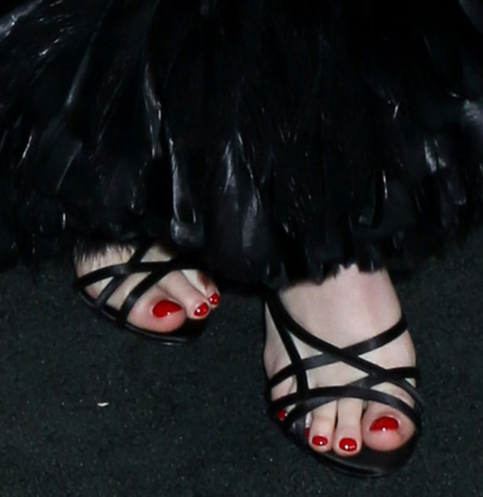 Luna Blaise shows off her sexy feet in modern strappy Alevi Milano sandals