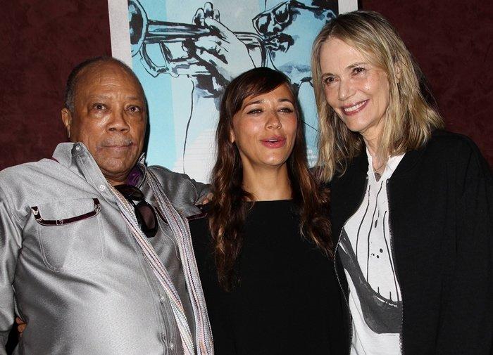 Rashida Jones is the biological daughter of Peggy Lipton and Quincy Jones