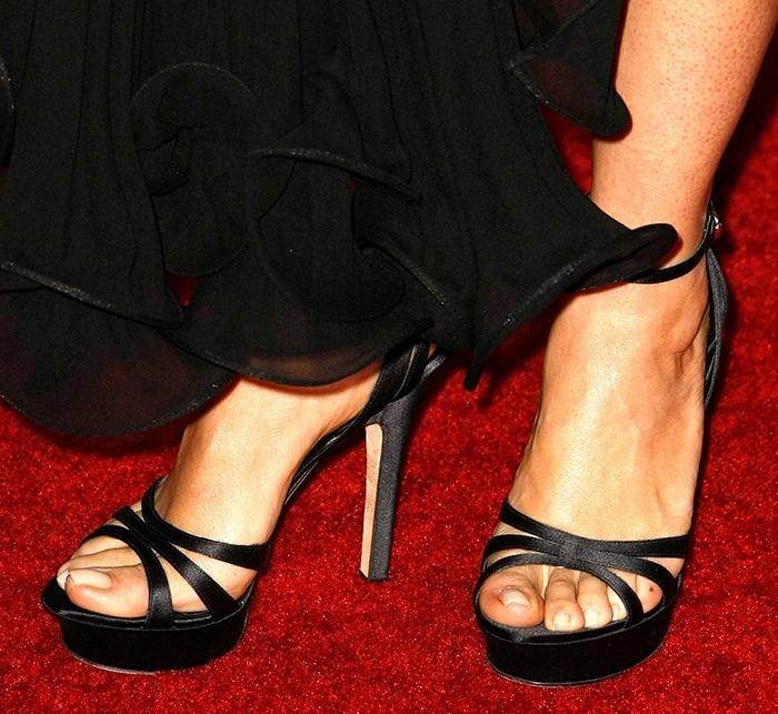 Salma Hayek shows off her sexy feet in strappy platform sandals