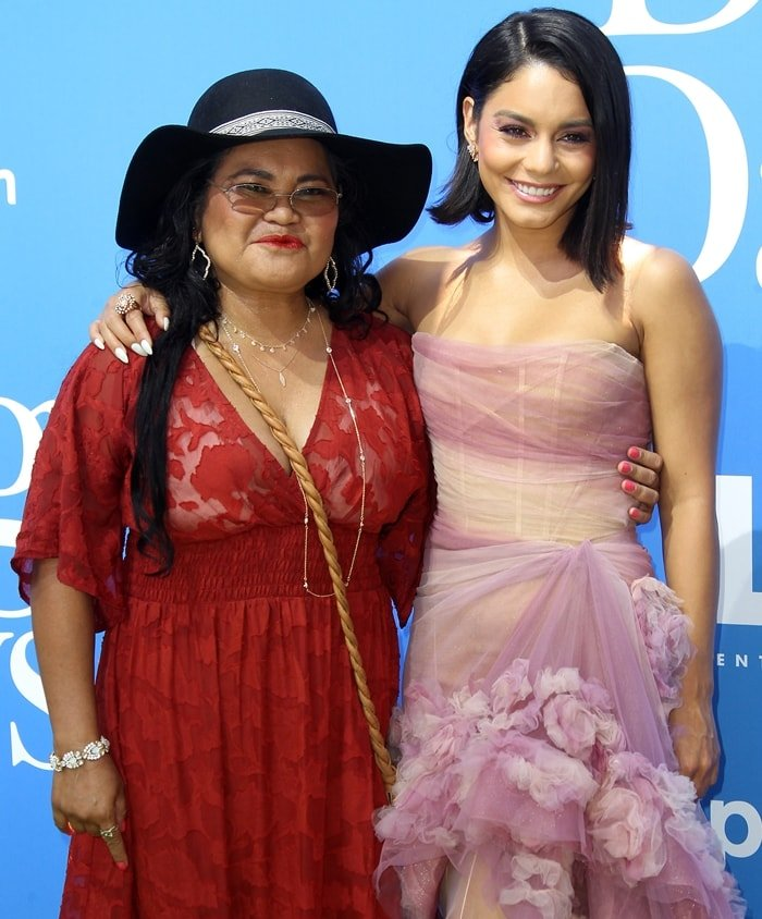 Vanessa Hudgens and her mother Gina Guangco-Hudgens