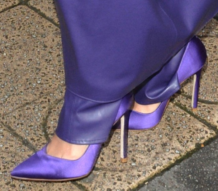Hailey Bieber completes her head-to-toe purple with Stuart Weitzman pumps
