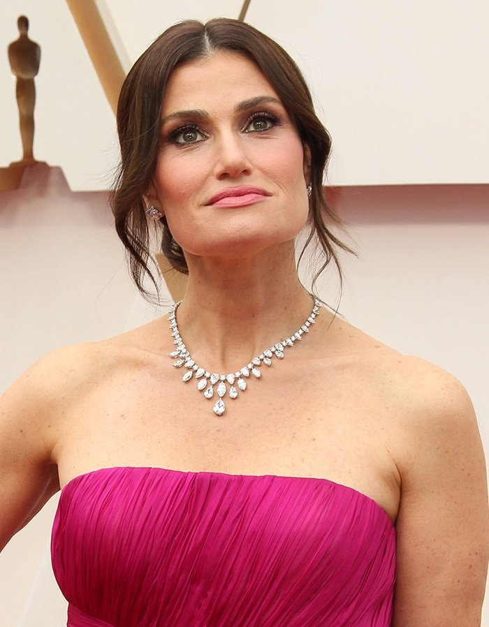 Idina Menzel's cascading diamond necklace and pirouette diamond earrings from Harry Winston