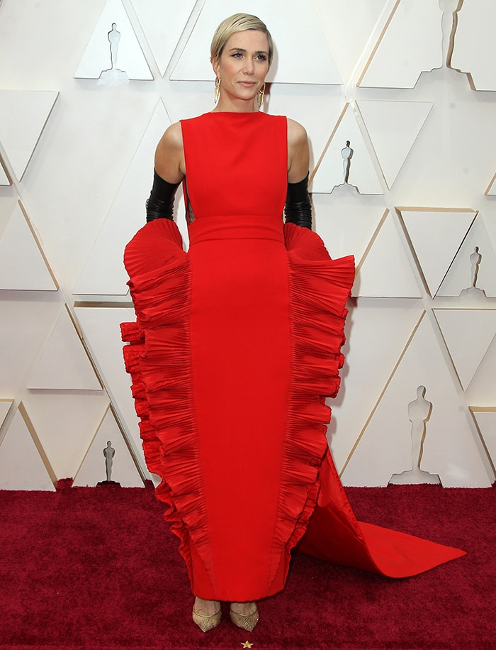 Kristen Wiig's dress sparked memes and was compared to lasagna