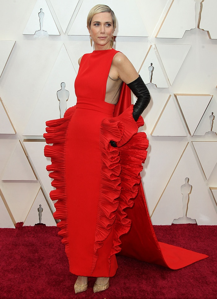 Kristen Wiig turned heads in a Valentino ruffled dress at the 2020 Oscars on February 9, 2020
