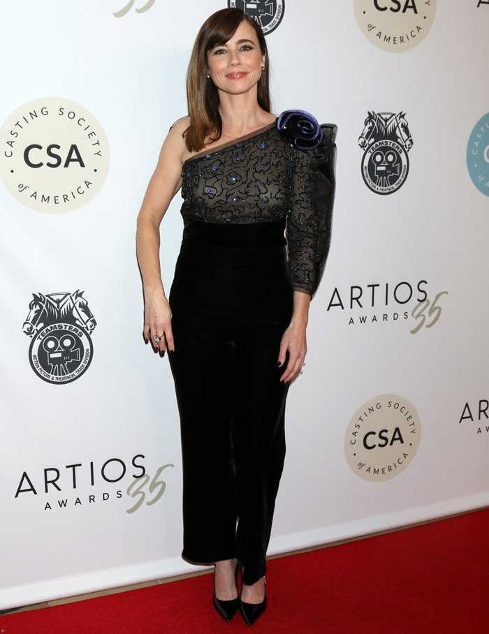 Linda Cardellini attends the Casting Society Of America's Artios Awards