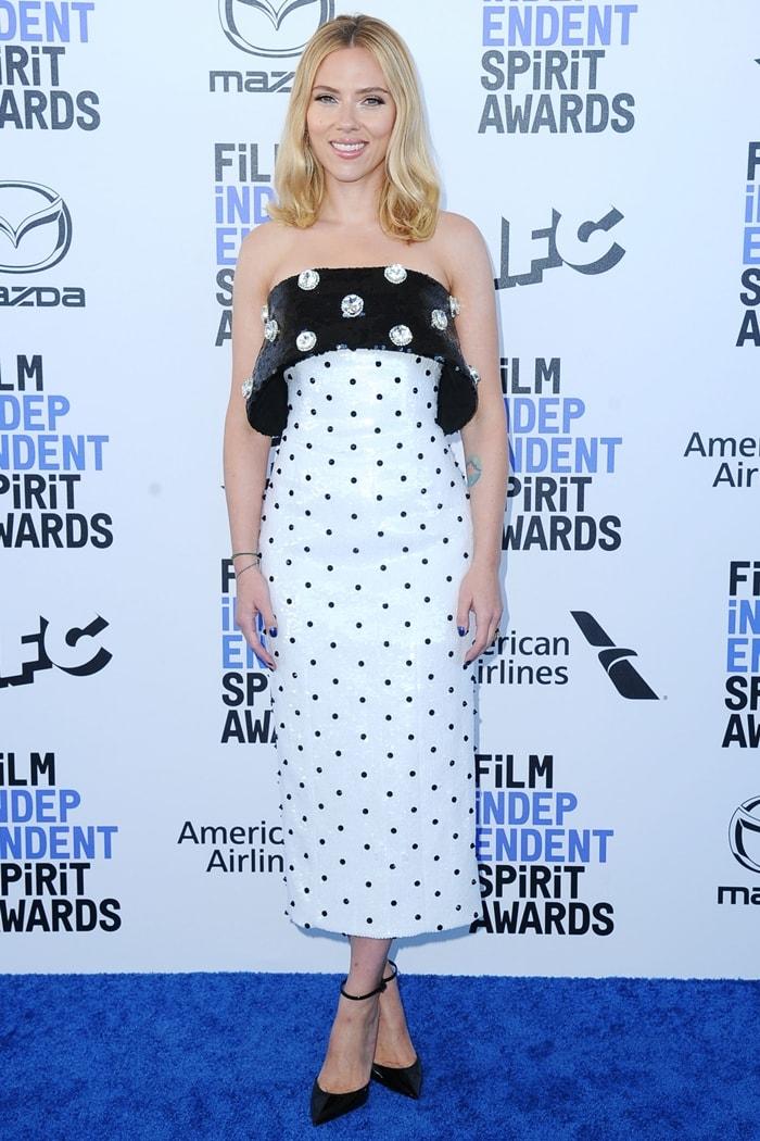 Scarlett Johansson arrives for the 2020 Film Independent Spirit Awards