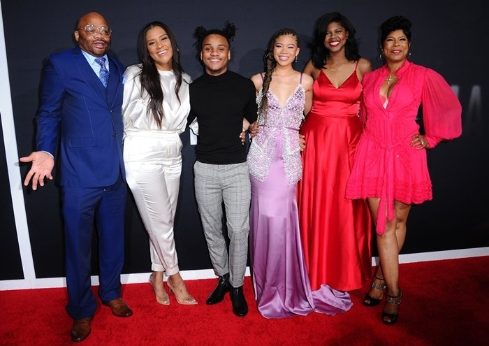 Storm Reid with her parents, Rodney and Robyn, her brother, Josh, and her two sisters, Iman and Paris