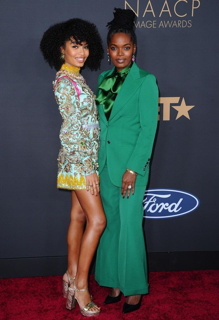 Keri Salter and Yara Shahidi on the red carpet 2020 NAACP Image Awards
