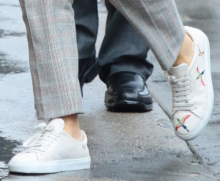 Emily Blunt completes her outfit with Axel Arigato sneakers