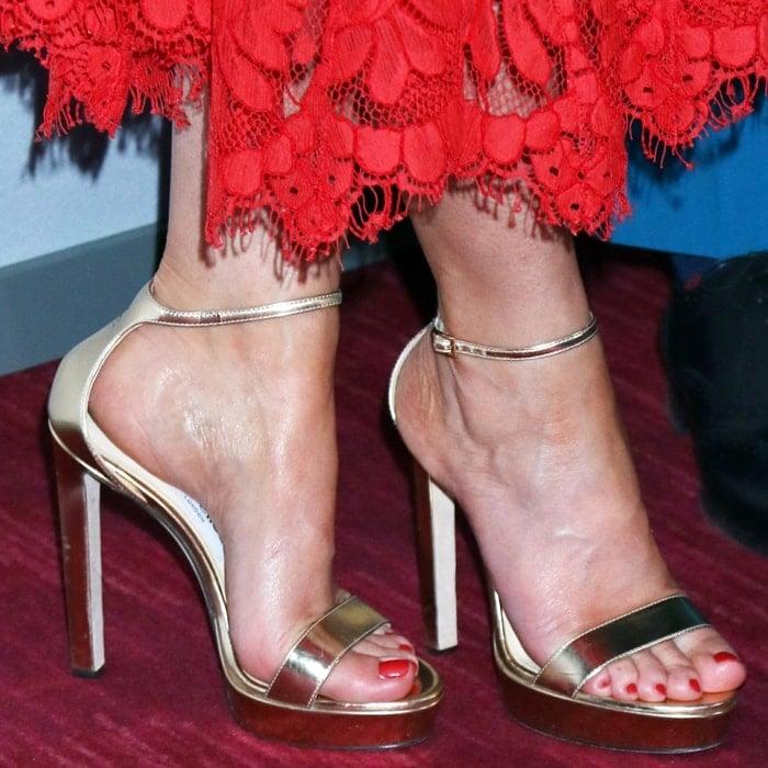 Emily Blunt showed off her feet in metallic Jimmy Choo sandals