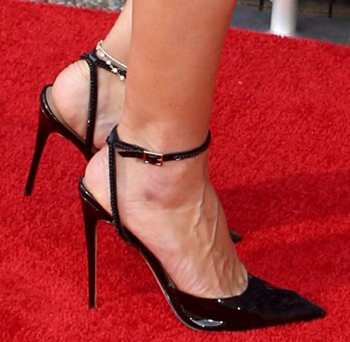 Heidi Klum displays her veiny feet in Femme LA pumps