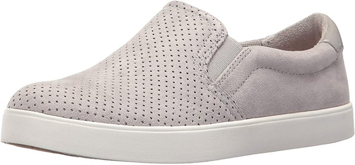 Slip-on fit with padded collar and twin stretch gore panels