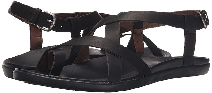 Add tread to trend with the stylish and comfortable OluKai Upena sandal