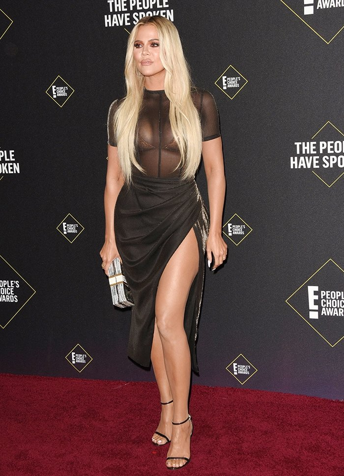 Khloe Kardashian attends the 2019 E! Peoples Choice Awards at Barker Hangar on November 10, 2019