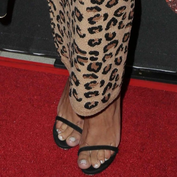 Naya Rivera's sexy feet are shoe size 8 (US)