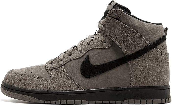 Nike Dunk Hi Shoe in Dark Mushroom/Black