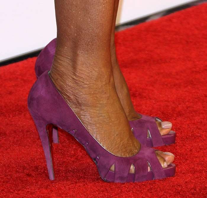 "Oprah Winfrey is 5'7"" and wears size 11 shoes"