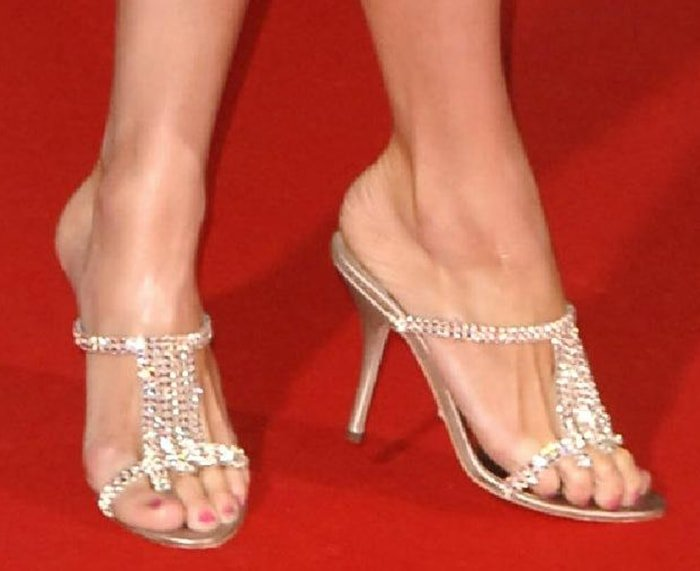 Paris Hilton's bony long feet with bunion