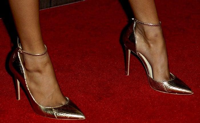 Skai Jackson's feet are shoe size 5 (US)