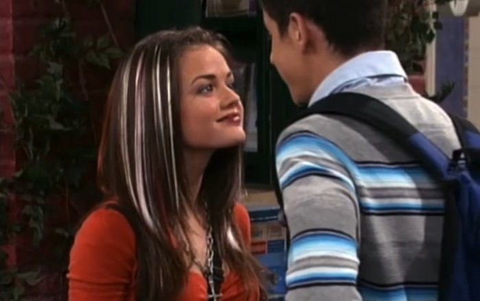 Lucy Hale starred as Justin's girlfriend Miranda Hampson in two episodes of Wizards of Waverly Place