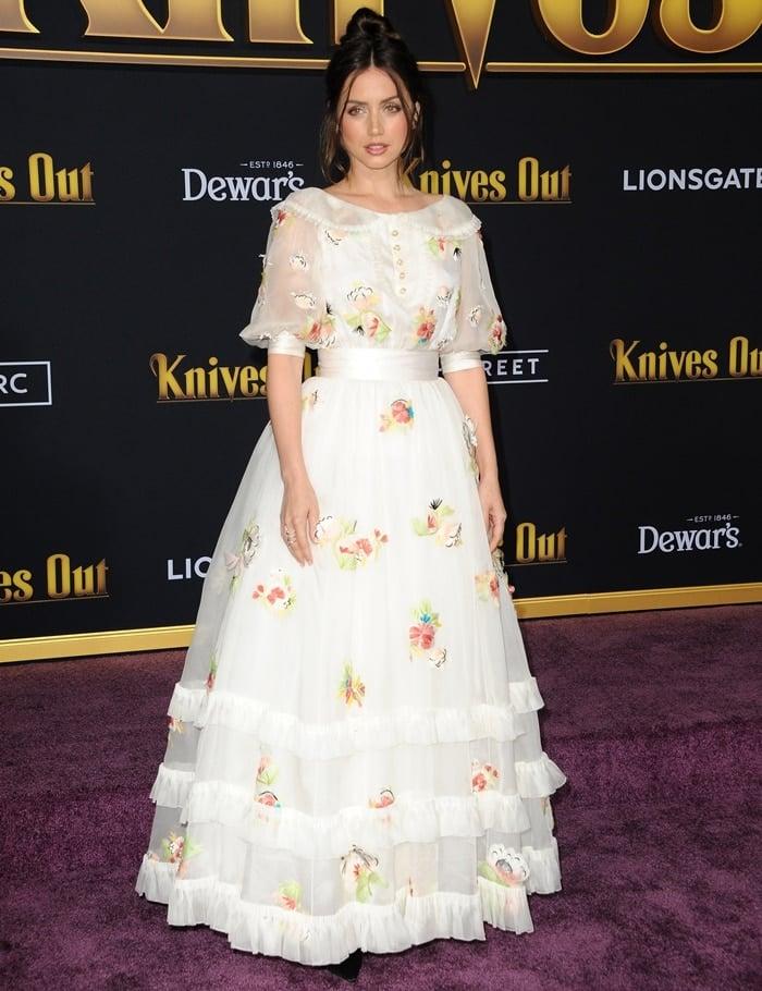 Ana de Armas arrives at the Premiere of Lionsgate's 'Knives Out'