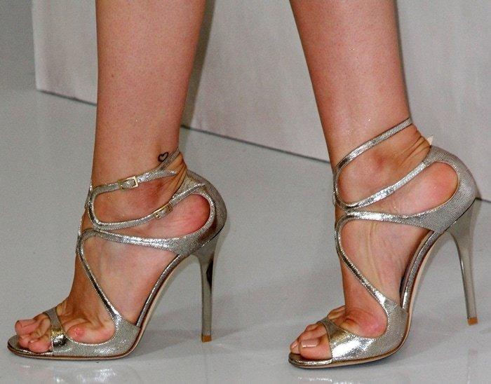 Ana de Armas's feet are shoe size 8 (US)