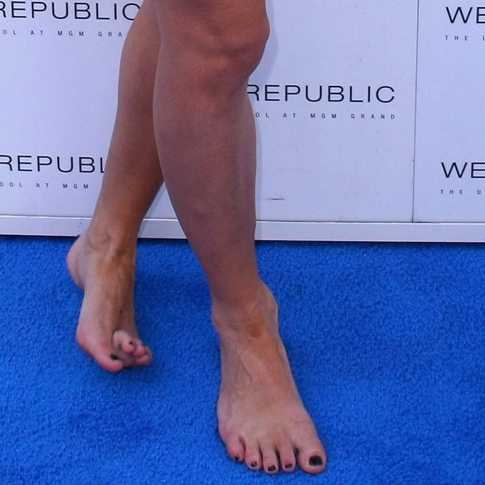 Holly Madison's feet are shoe size 8 (US)