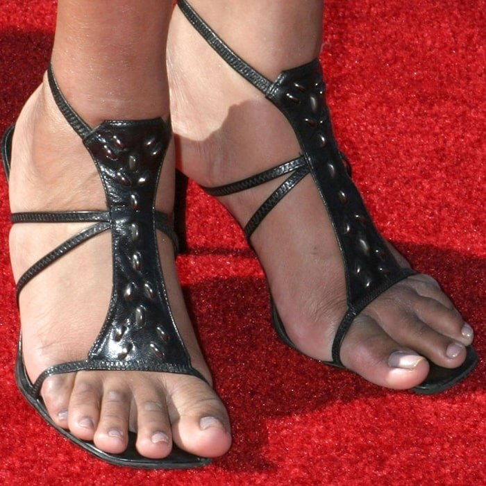 Jennifer Hudson's feet are shoe size 8 (US)