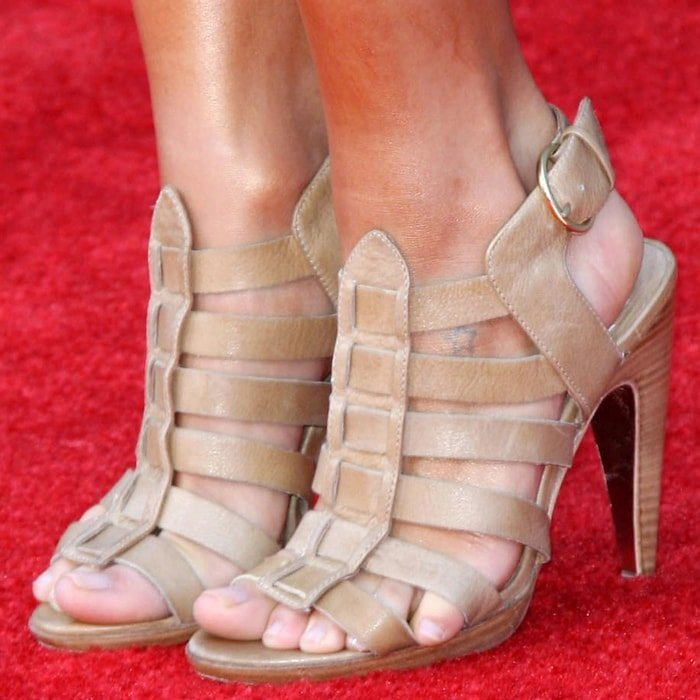 Kristin Cavallari's feet in high heels on the red carpet