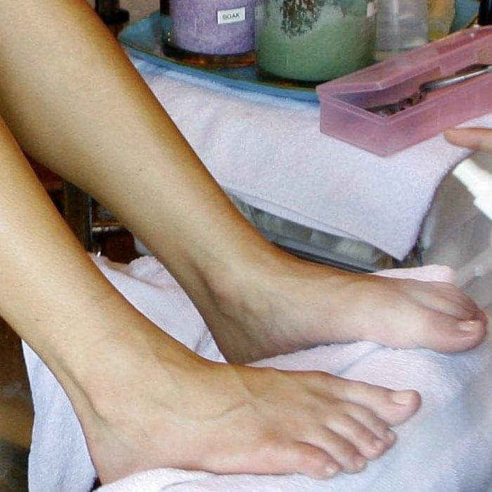 Kristin Cavallari's feet are shoe size 7 (US)