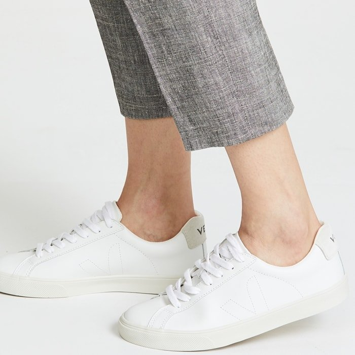A clean-lined and minimalist style, these Veja sneakers are a guaranteed goes-with-everything pair