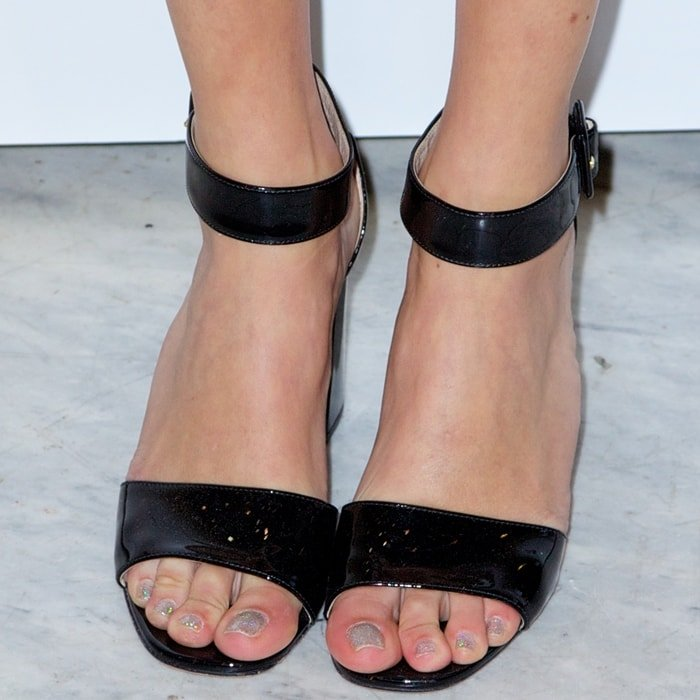 Alexa Chung's feet are shoe size 8.5 (US)